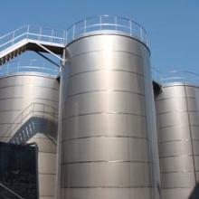 供应油库化工库建设施工、加油站网架、油罐、机电安装、钢结构工程。