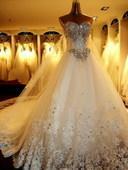 供應婚紗禮服回收,收婚紗禮服,處理婚紗禮服圖片