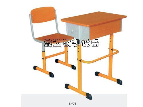 供应智力课桌椅课桌椅厂家电话