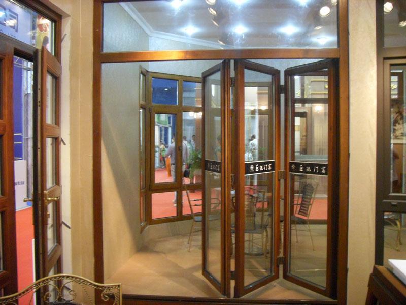 折叠门_折叠门供货商_供应阳台室内折叠门图片