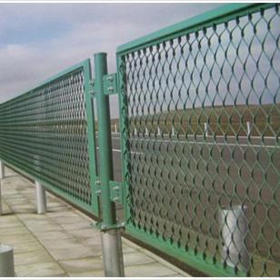 伊宁市筛网护栏网供应钢板网图片
