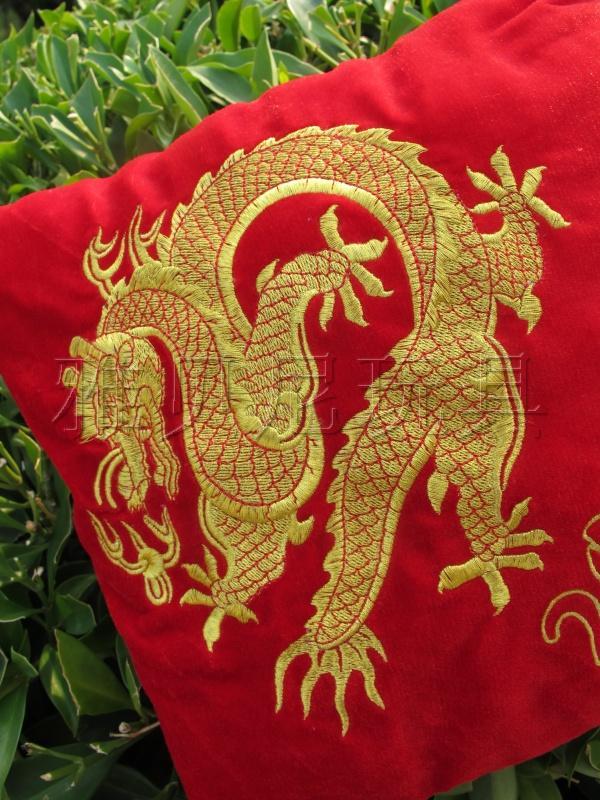 中国龙刺绣抱枕图片 中国龙刺绣抱枕样板图 中国龙刺绣抱枕 东莞贝乐