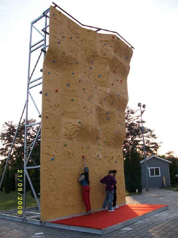 重庆木质攀岩墙施工价格,重庆南岸高空攀岩墙,贵州趣味拓展设施专供