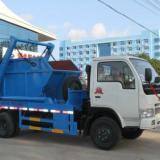 供应东风小多利卡摆臂式垃圾车/4-5立方国四垃圾车价格