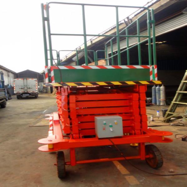 供应11米可移动液压升降平台订做