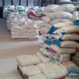 供应洗涤剂的聚合物与表面活性剂复配