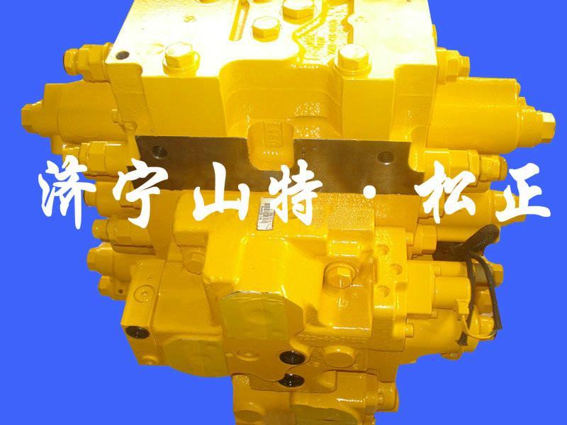 专业小松钩机PC220 8分配阀图片