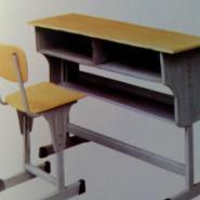 河南濮阳课桌椅图片