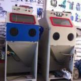 供应小型箱体式喷砂机,小型箱体式喷砂机价格,小型箱体式喷砂机厂家直销