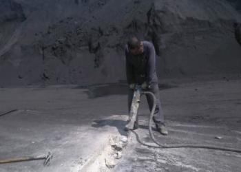 拆路面凿水泥路破路面切割路图片