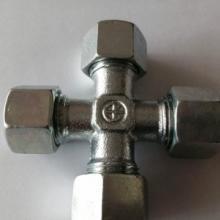 供应雷斯特利中间连接四通接头TN101 液压管路连接件