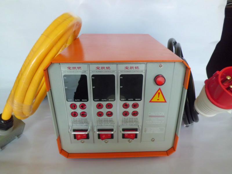 供应新款插卡式模具热流道3组温控箱