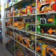 供应库存玩具之杂款工程车类称斤出售图片