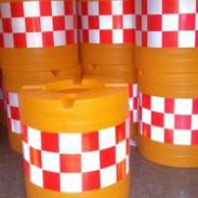 防撞桶规格小防撞桶大防撞桶船形桶图片