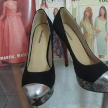 供应时尚高端蛇纹羊皮女鞋女皮鞋小额批发021批发