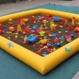 供应充气泳池蹦蹦床定做,沙池水池跳跳床决明子销售