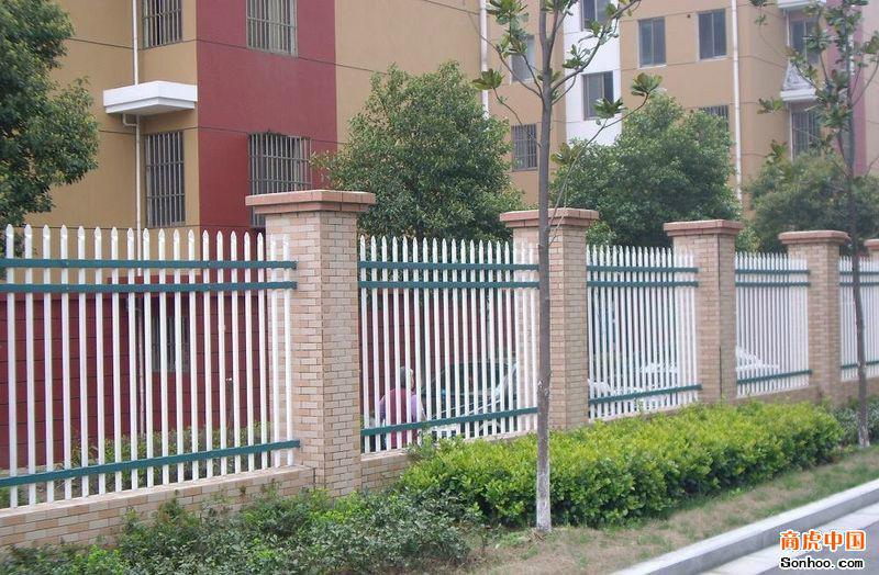 供应花园护栏网/花园防护网/花园铁丝网/花园隔离栅