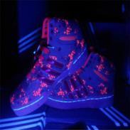 五星行荧光绿的鞋图片