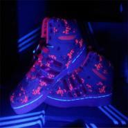 五星行耐克发光鞋图片