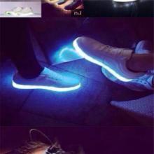 供应五星行运动鞋发光发光鞋多少钱发光鞋帆布