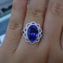 供应18K金镶钻镶嵌椭圆形坦桑石戒指