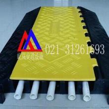 供应云南交通安全设施 云南道路减速设备线槽板屹岚牌线槽板