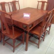 中式古典餐桌图片
