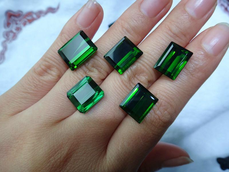 供应财富之石绿碧玺宝石可定制戒指吊坠 深圳绚彩珠宝