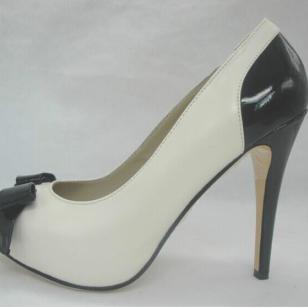经典包头女装皮鞋图片