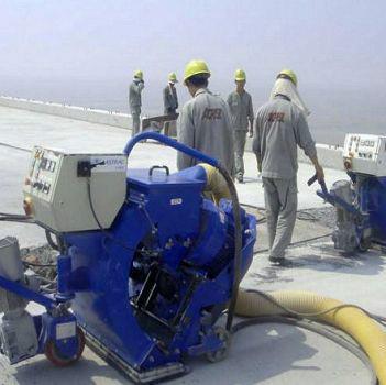 供应DD550型路面抛丸机,网带输送式抛丸机,抛丸机配件加工