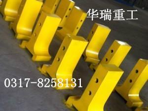 供应钢材焊接铸铁高速公路隔离墩华瑞重工广州销售部