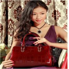 供应豪威袋鼠2015新款包包欧美时尚牛皮格子女包包商务休闲手提包批发