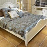 床+床头柜图片