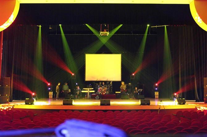 供应江西省市演出灯光音响租赁,舞台效果灯出租,舞台音响出租,舞台大屏