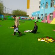 东明塑胶跑道人造草球场幼儿园设图片