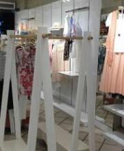 供应厦门专业服装展示柜货架定做女装架图片