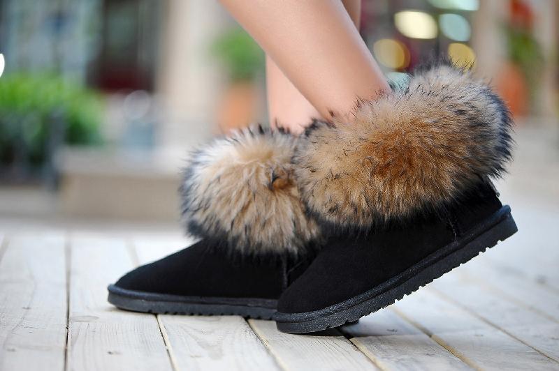 福建跑鞋厂家直销雪地靴购买技巧雪地靴釰