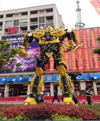 供应山东铁艺模型变形金刚10米大黄蜂,钢铁制作模型8米大黄蜂变形金刚租赁报价